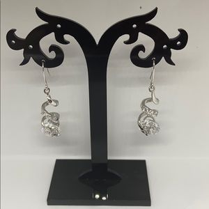 Jewelry - Silver plated Earring